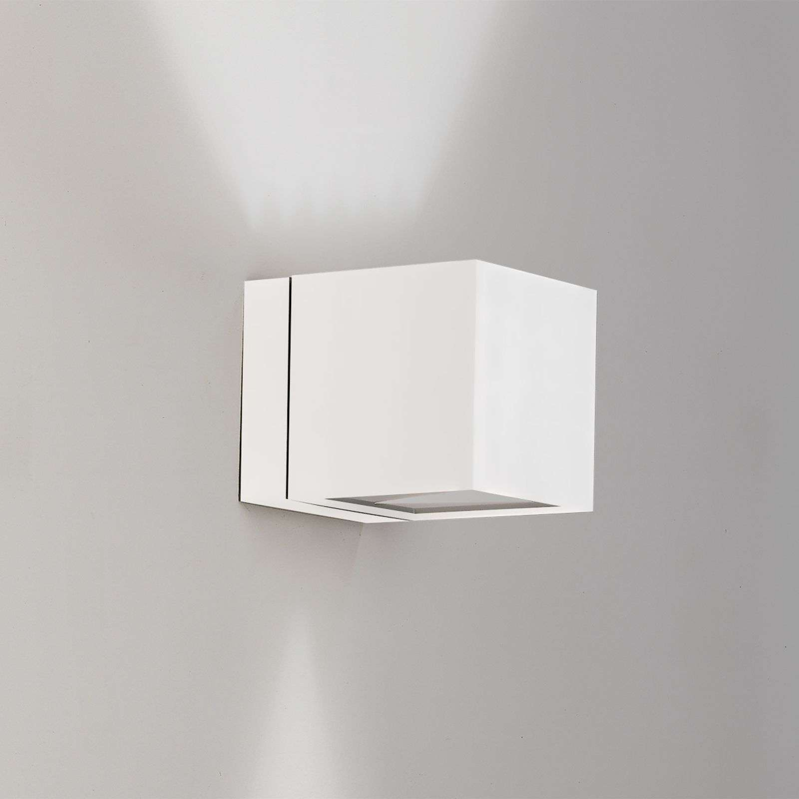 Aplique Dau con forma de cubo up-down, blanco